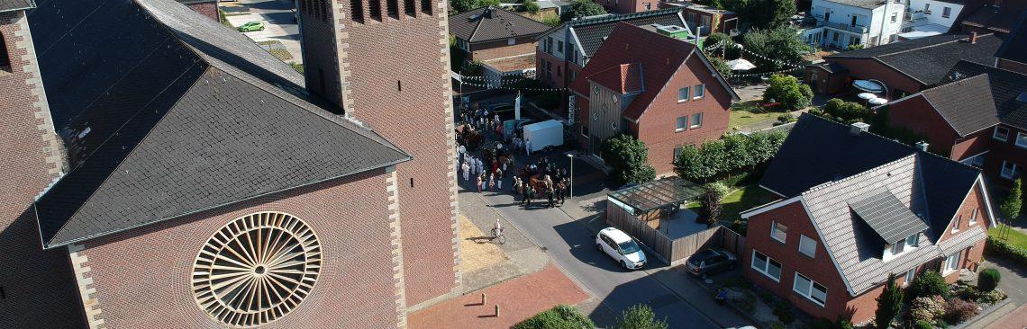 Luftbild von der Lage und Umgebung des Hotel und Restaurant Pötter in Emsdetten.